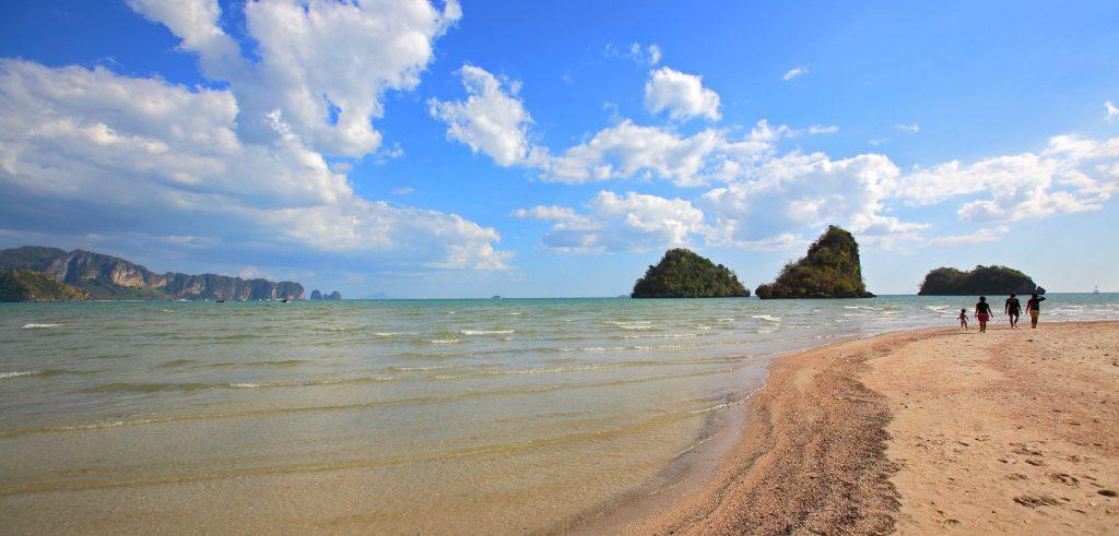 Pantai nopparat thara