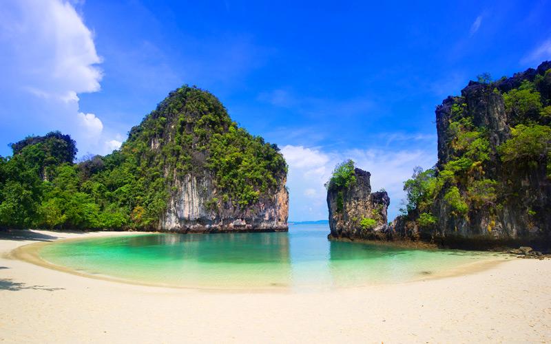 pantai hong island